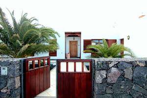 Chalet for sale in Puerto Calero, Yaiza, Lanzarote.